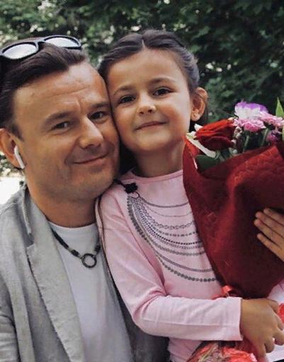 Актер Иван Рудаков с дочкой Серафимой
