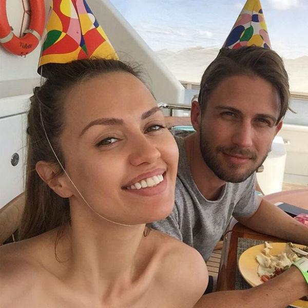Виктория с супругом Алексом