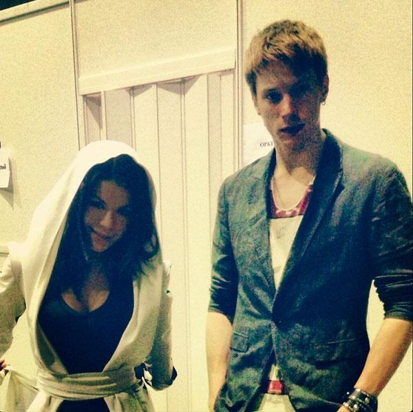 Это фото у скромной гримерки выложила в «Твиттере» Ольга Кляйн, которая выступает дуэтом с Никитой