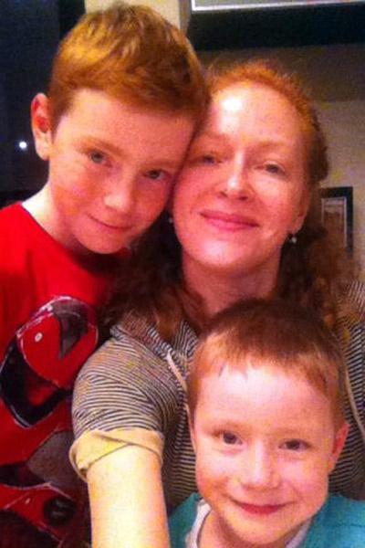 Наталья Рогожкина с сыновьями