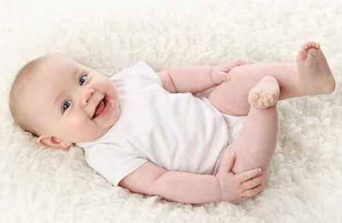 Первые фото детей звезд: какими мы увидели новорожденных