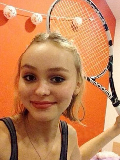 Лили-Роуз Мелоди Депп всего 15 лет