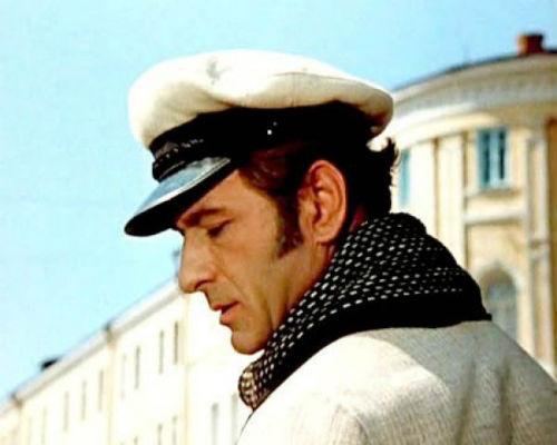 Арчил Гомиашвили сыграл роль Остапа дважды: в картине Леонида Гайдая 1971 года «12 стульев» и в фильме «Комедия давно минувших дней» Юрия Кушнерева, вышедшем в 1980 году