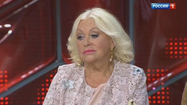Людмила Поргина говорит, что Николай Караченцов с удовольствием ходит в кино и театр