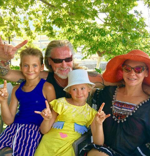 Никита Джигурда с семьей