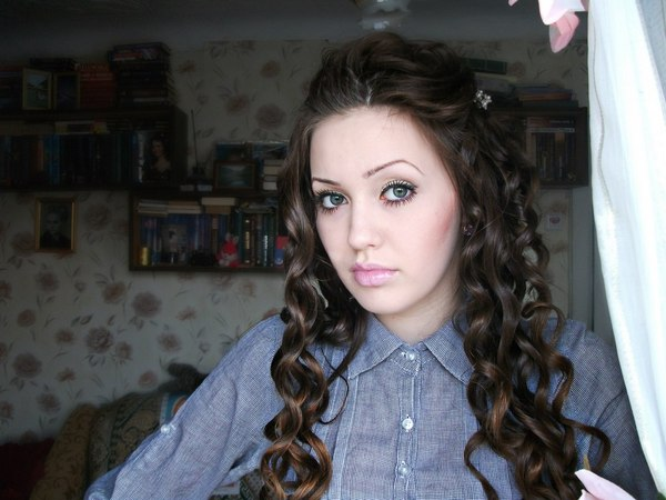 В Сеть попали снимки девушки Тарасова Анастасии Костенко «до пластики»