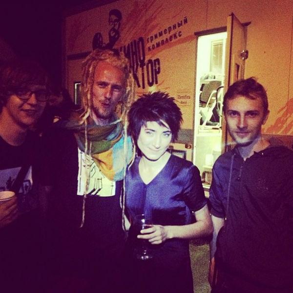 30 июня 2013 год. Земфира с музыкантами после концерта