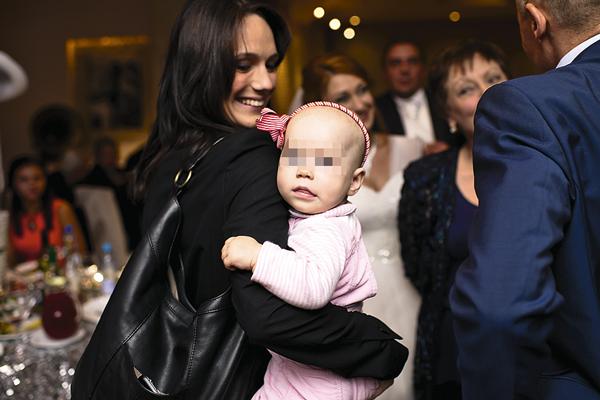 В декабре 2014 года у Кристины и Игоря родилась дочь София- Каролина