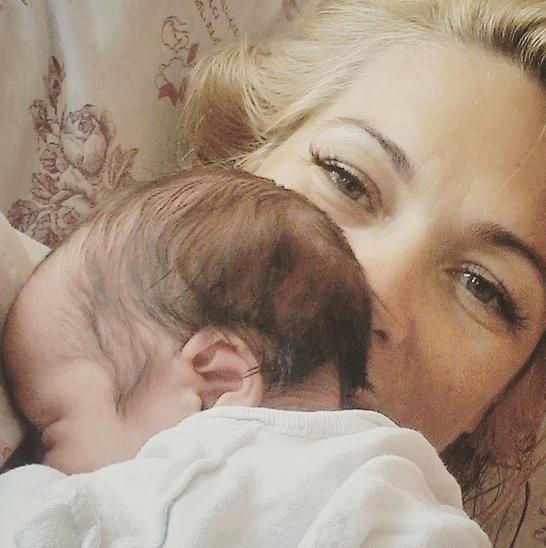 Виктория Макарская с малышом