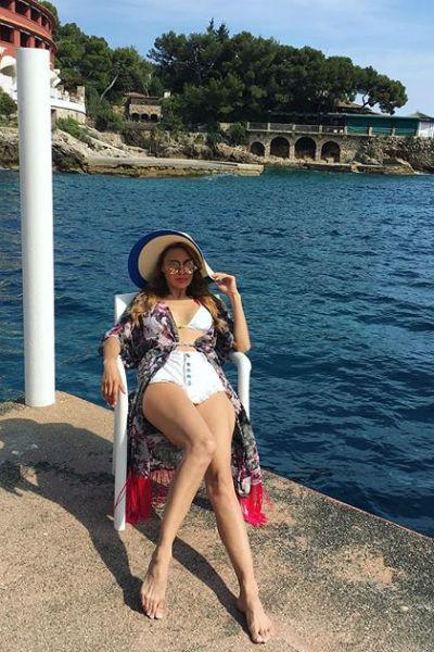 Виктория Боня наслаждается отдыхом на побережье