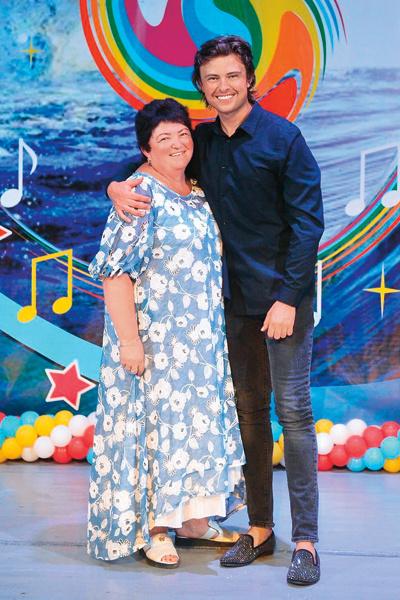 Прохор уже познакомил избранницу со своей мамой – Еленой Ивановной