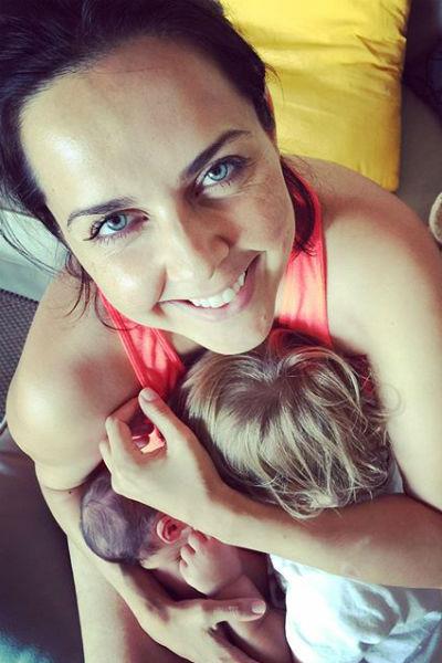 Ольга совмещает заботу о детях с работой