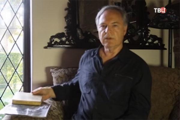 Родион Нахапетов уже двадцать семь лет живет в Лос-Анджелесе. Он снял несколько фильмов и сериалов