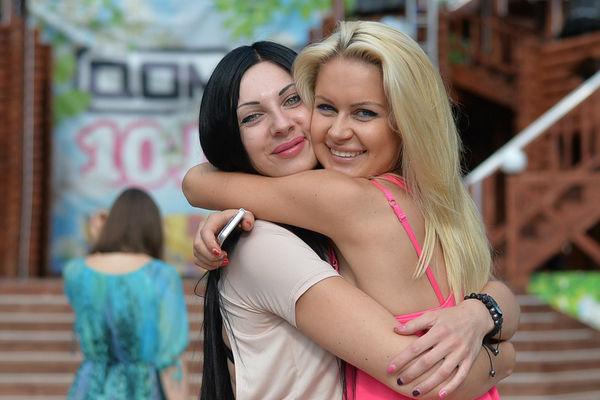 Анастасия Полетаева с Мариной Африкантовой на телестройке