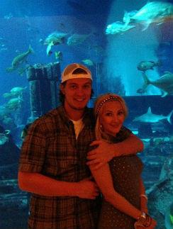 Поэтому пара отправилась в океанариум
