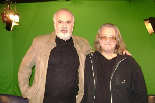 Виктор Топаллер вел авторскую программу на RTVi, в котором брал интервью у звезд