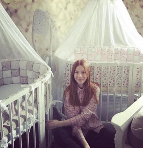 Наталья Подольская у кроваток своих племянниц-двойняшек Анастасии и Александры