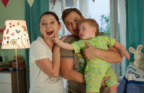 Тане и Саше с сыном Алешей скучать не приходится
