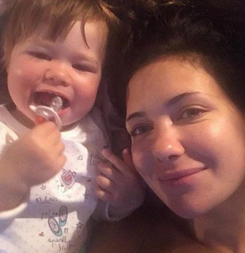 Екатерина Климова поделилась домашним снимком с младшей дочерью