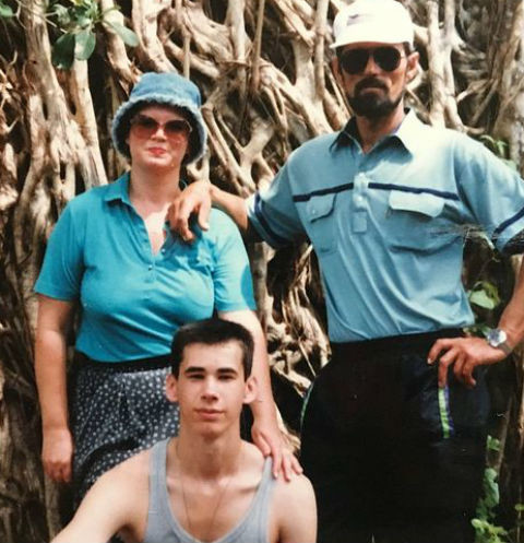 Клавдия Яцуненко с сыном и мужем
