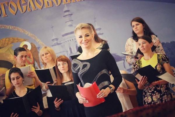 Мария Максакова распрощалась с длинными локонами