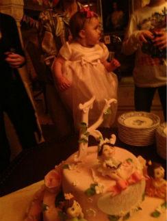 Дочь Кристины Орбакайте Клава Земцова с именинным тортом