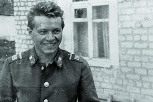 В армии Поляк был водителем тяжелой техники