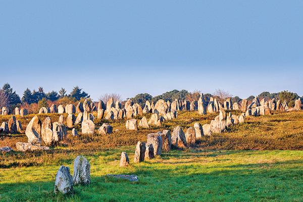 Карнакские камни и дольмен Кермакер