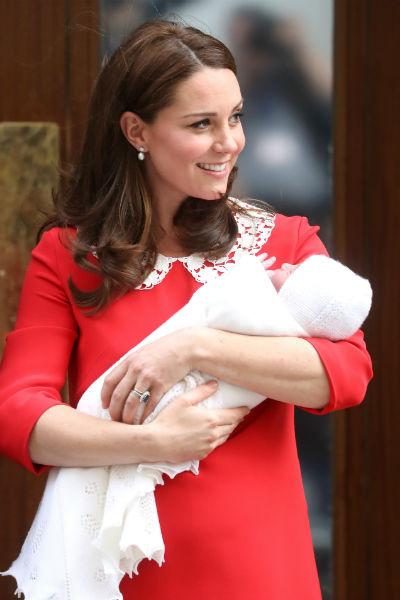 Кейт уже выписалась из роддома