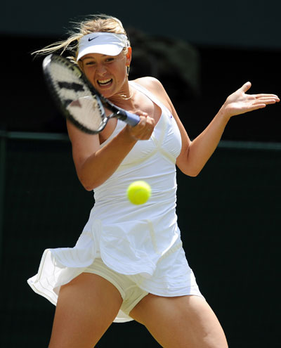 Мария Шарапова не избежала опасности во время теннисного турнира