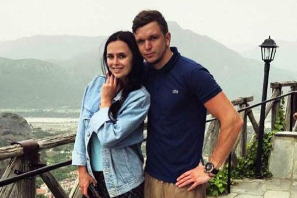 Теперь звезды телестройки официально стали мужем и женой