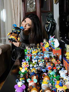 Каждый Микки в коллекции Анны стоит $50