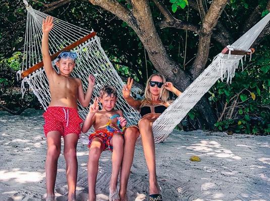 Семья отдыхала на острове неделю