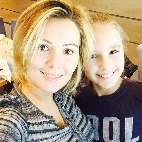 Маша Кожевникова и ее младшая сестра Катя продемонстрировали портретное сходство