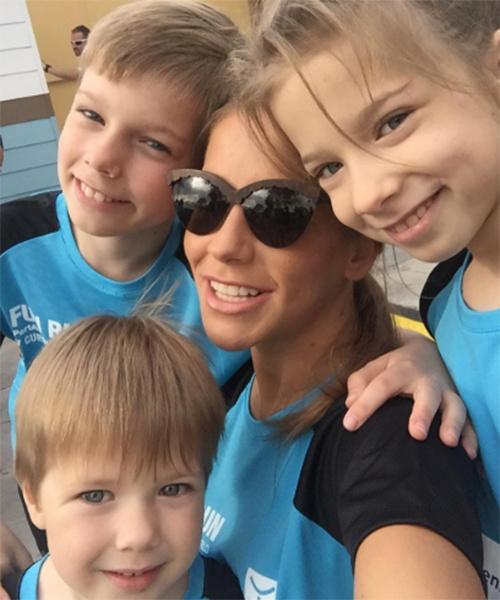 После расставания с Андреем Аршавиным Юлия одна воспитывает троих детей