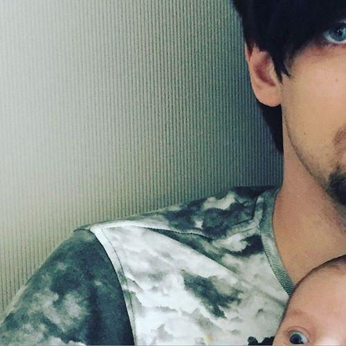 Дмитрий Колдун показал, как выглядит его новорожденная дочь