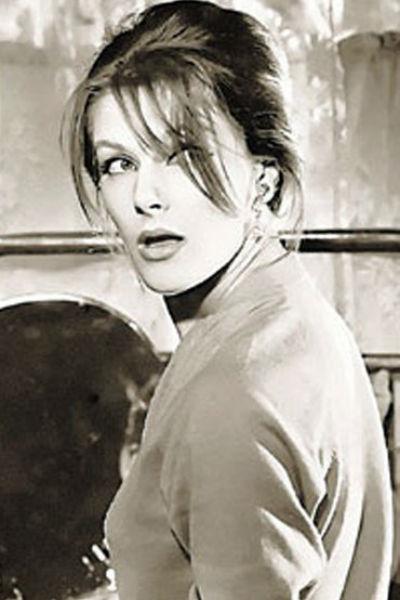 Несмотря на большой успех в актерской профессии, Дружинина все равно решила стать режиссером