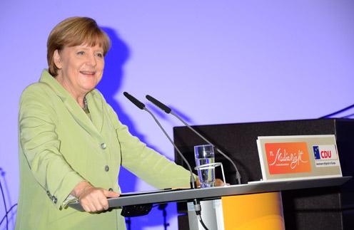 Ангела Меркель - фанат смс