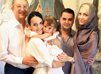 Певица Слава крестила младшую дочь