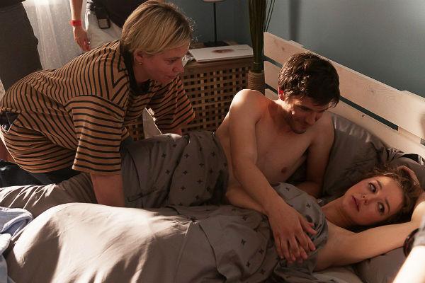 Любовь опасалась, что постельные сцены могут расстроить ее родителей