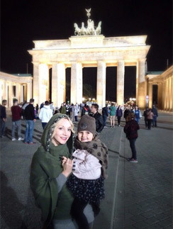 Кристина Орбакайте с дочерью Клавой в Берлине