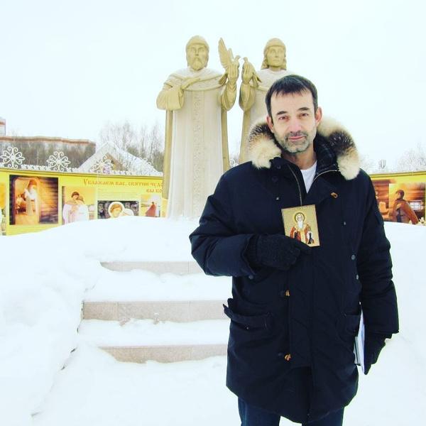 Дмитрий Певцов благодаря сыну стал чаще ходить в церковь
