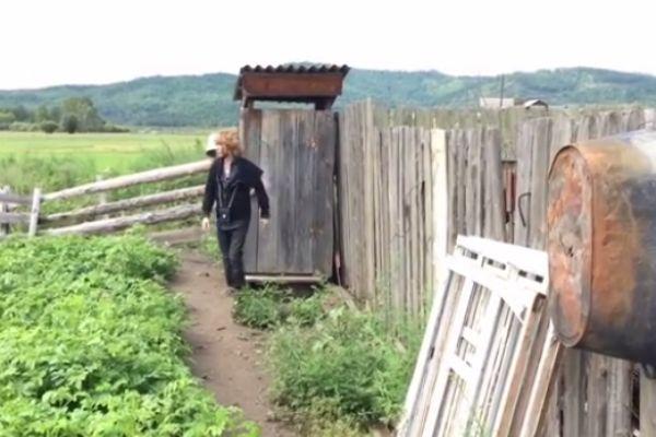 Сергей давно не был в туалетах подобного типа