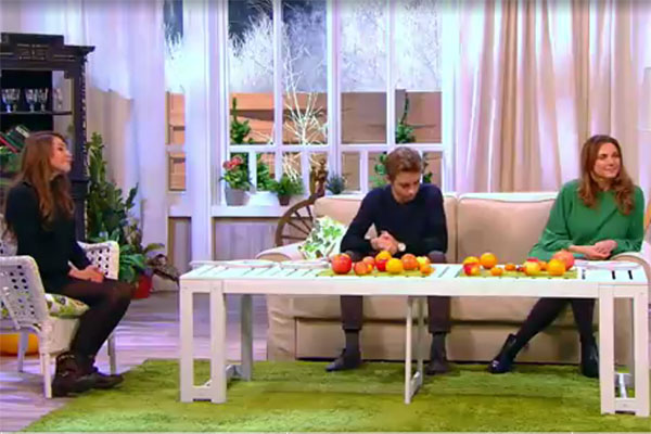 Агния Дитковските,ее брат Доминик и мама Татьяна Лютаева на программе «Гости по воскресеньям»