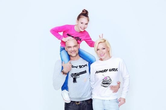 Аврора с супругом Алексеем и дочкой Авророй