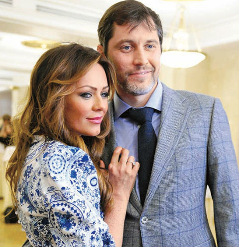 Общих детей у пары нет, хотя Началова неоднократно заявляла о желании подарить Фролову наследника