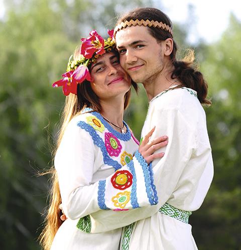 Максим и Олеся бережно относятся к древним традициям