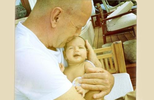 Брюс и его дочб Мейбл Рей