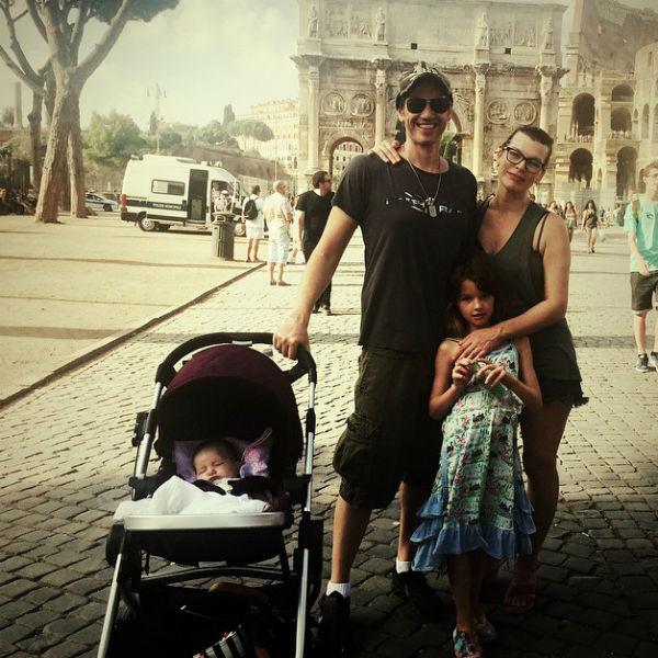 Перед выходом из декретного отпуска Йовович успела отдохнуть в Риме