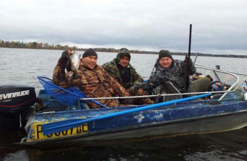 Николай Валуев с друзьями на отдыхе